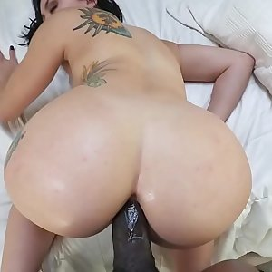 Thick ass filled with a black monster dick - Mandy Muse