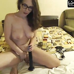 hookup with a wide dildo  cams.isexxx.net