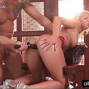 Blonde tramp gets fuck holes filled with dildos
