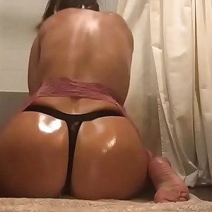 Chocolate Sauce On Flawless Ass For Her Boyfriend