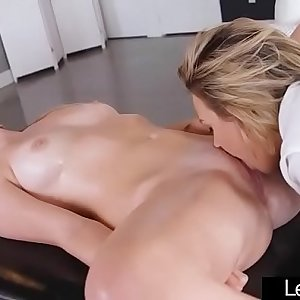 Lesbian Girls (Pressley Carter & Alex Blake) Play On Cam In Sex Scene mov-25