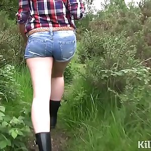 Dirty dogging jism slut loves sucking cocks in public