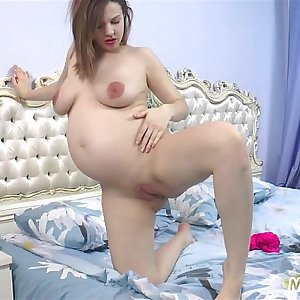 Pregnant Lina Fucks Herself with a Vibrator!