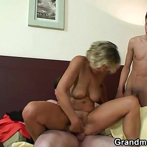 Greatest 3some with mature woman