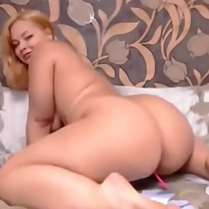 thick pawg camgirl twerks on cam