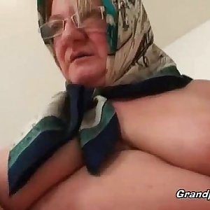 Fat mature blonde likes hardcore sex