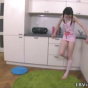 18 Virgin Sex - Olga is the brunette of the moment at 18 year old cherry sex