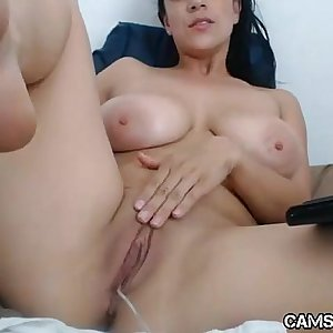 Hot MILF Shows Pussy on Webcam   Cams69.net