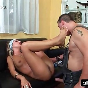 Cunt licked blonde gets juicy pouch faux-cock fucked
