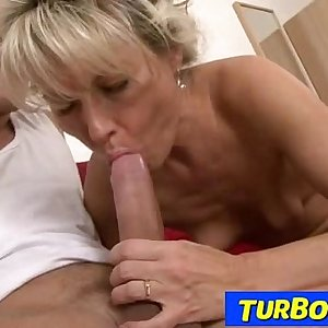 Hairy blonde lady rough hook-up feat. czech milf Magdalena