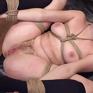 Man anal fucks wifey and step daughter