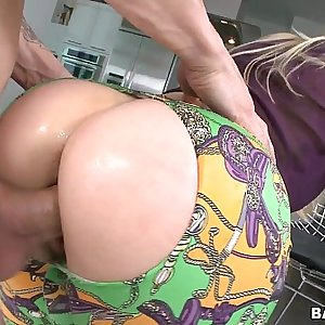 Blonde MILF with a great Nut sack Fucked