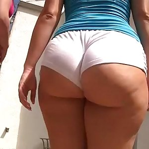 briella bounce - round sweet butts